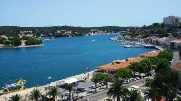 Maó promociona el turisme de creuers de luxe