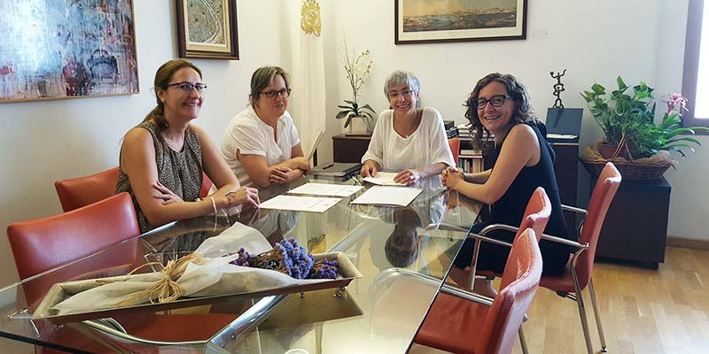 Conxa Juanola, Maria Membrive i representants de Mô Comercial