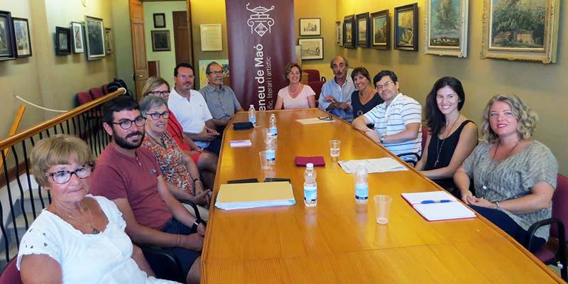 Reunió dels integrants de l'Ateneu de Maó