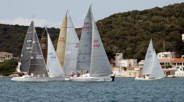 El CM Mahón organiza la Regata Vuelta Menorca a dos