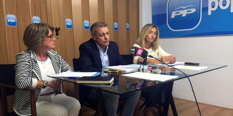 El presidente del PP Menorca y representantes del Grupo Popular