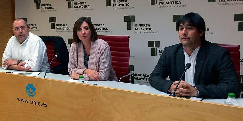 Antoni Nicolau, Maite Salord y Isaac Olives durante la presentación del plan de usos de Lazareto
