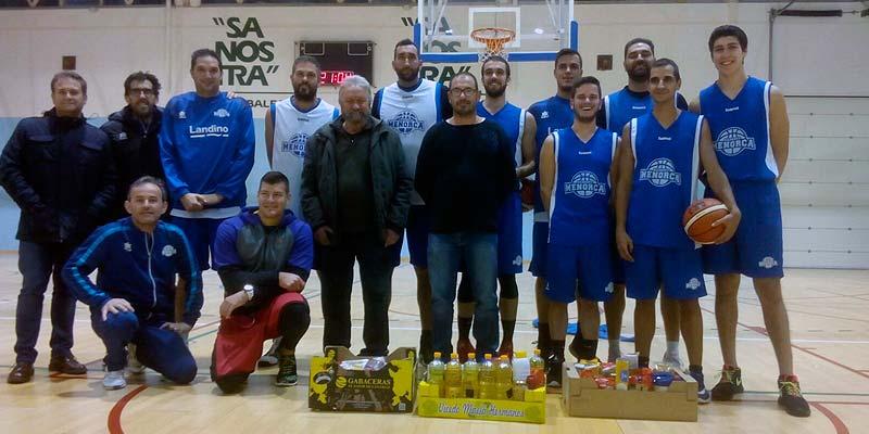 Entrega alimentos a la Cruz Roja - Made in Menorca