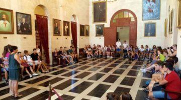 Alumnes alemanys visiten l'Ajuntament de Ciutadella