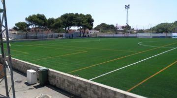 El campo de fútbol municipal de Es Castell estrena césped