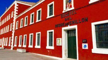 Es Castell desaloja el Cuartel Duque de Crillón