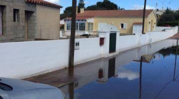 Obras de canalización de pluviales en Cala en Porter